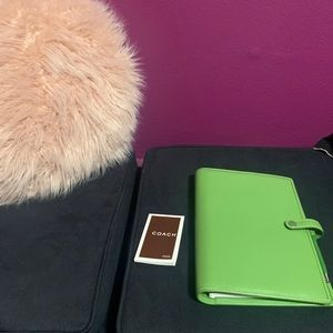 Coach small leather Planner (Green)